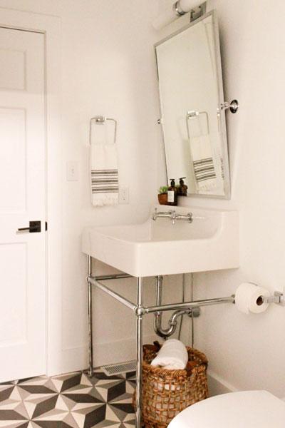 Fall Inspired Powder Room Dxv Oak Hill Console Bathroom Sink P